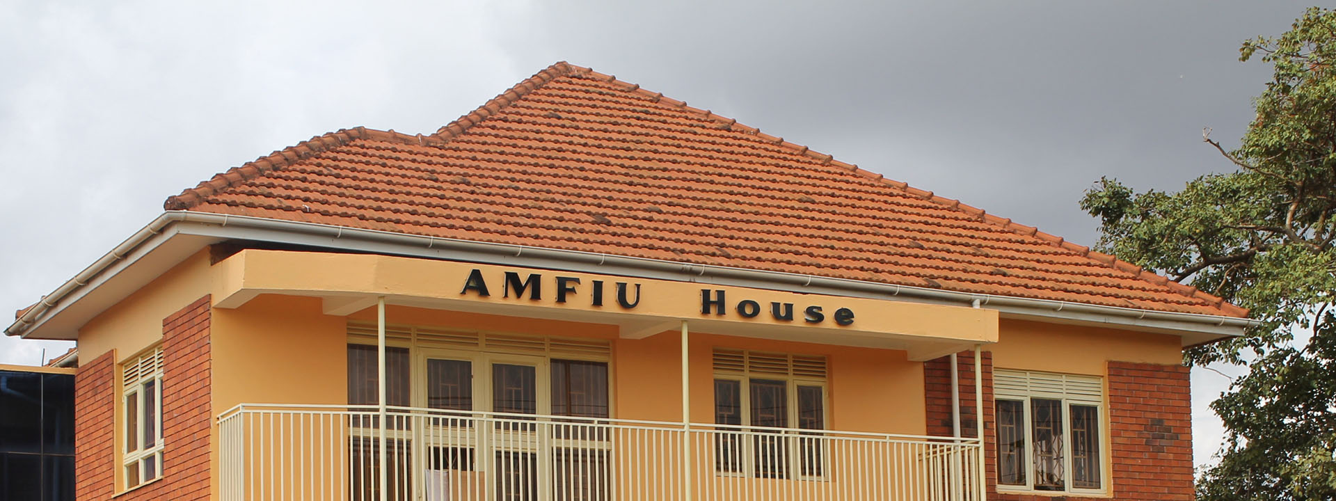 amfiu-main-slide1